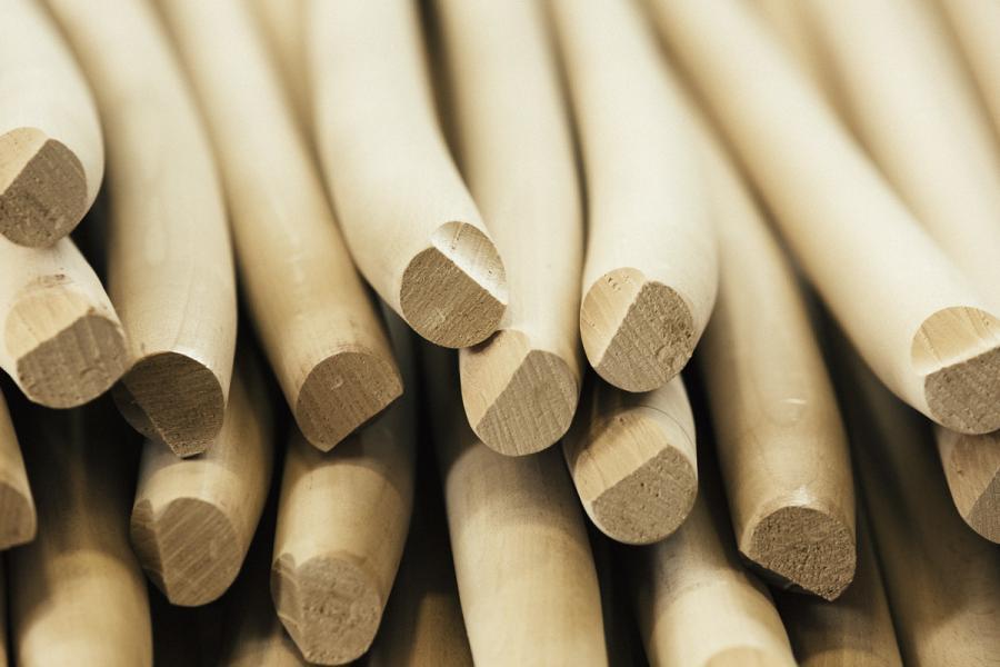 La filiera dei manici in legno